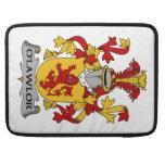 Escudo de la familia de O'Lawlor Fundas Macbook Pro