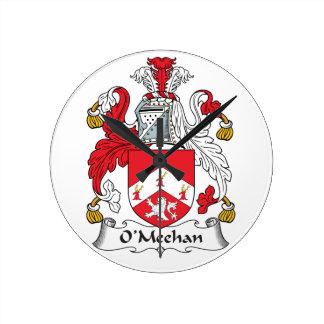 Escudo de la familia de O'Meehan Reloj Redondo Mediano
