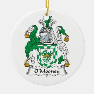 Escudo de la familia de O'Mooney Adorno Navideño Redondo De Cerámica