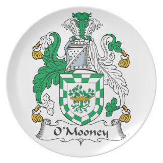 Escudo de la familia de O'Mooney Plato Para Fiesta