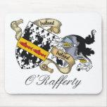 Escudo de la familia de O'Rafferty Alfombrilla De Raton