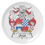 Escudo de la familia de Oriol Platos Para Fiestas