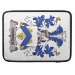 Escudo de la familia de Ormsen Fundas Macbook Pro