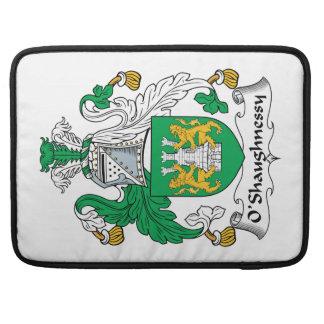 Escudo de la familia de O'Shaughnessy Fundas Para Macbook Pro