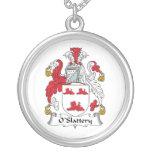 Escudo de la familia de O'Slattery Pendientes Personalizados