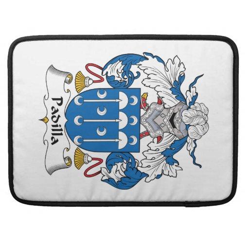 Escudo de la familia de Padilla Fundas Para Macbooks