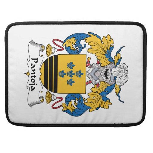 Escudo de la familia de Pantoja Fundas Para Macbooks