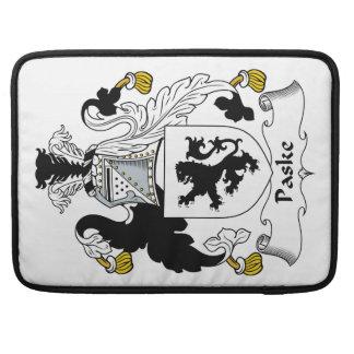 Escudo de la familia de Paske Fundas Para Macbook Pro