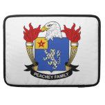 Escudo de la familia de Peachey Fundas Para Macbook Pro
