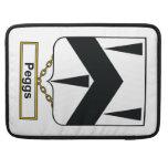 Escudo de la familia de Peggs Funda Para Macbooks