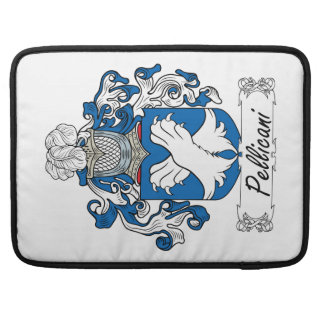 Escudo de la familia de Pellicani Fundas Para Macbooks
