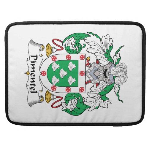Escudo de la familia de Pimentel Funda Para Macbook Pro