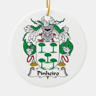 Escudo de la familia de Pinheiro Adorno Navideño Redondo De Cerámica