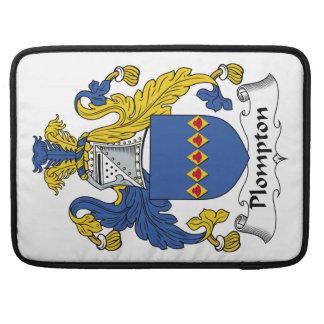 Escudo de la familia de Plompton Fundas Para Macbooks