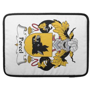 Escudo de la familia de Porcel Fundas Para Macbooks