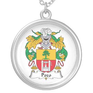 Escudo de la familia de Pozo Collares Personalizados