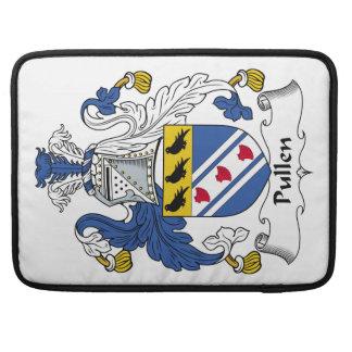 Escudo de la familia de Pullen Fundas Para Macbook Pro