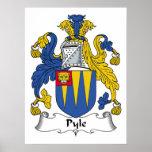 Escudo de la familia de Pyle Posters