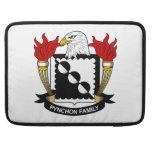 Escudo de la familia de Pynchon Fundas Macbook Pro