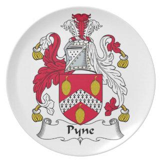 Escudo de la familia de Pyne Platos De Comidas