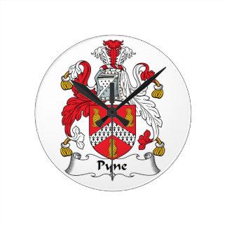 Escudo de la familia de Pyne Reloj Redondo Mediano
