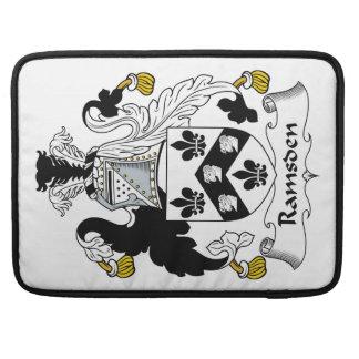 Escudo de la familia de Ramsden Funda Para Macbooks