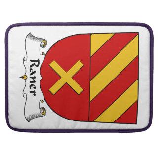 Escudo de la familia de Raner Fundas Para Macbooks