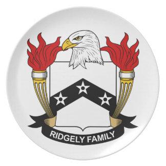 Escudo de la familia de Ridgely Platos De Comidas