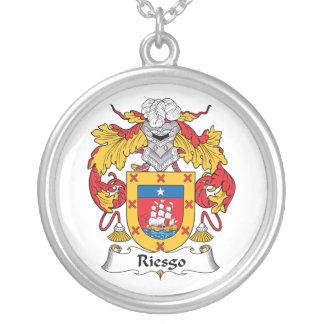 Escudo de la familia de Riesgo Colgante Redondo