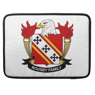Escudo de la familia de Rousby Fundas Para Macbook Pro
