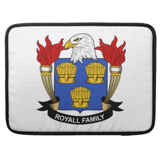 Escudo de la familia de Royall Funda Para Macbooks