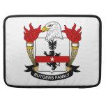 Escudo de la familia de Rutgers Funda Para Macbook Pro