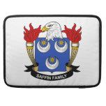 Escudo de la familia de Saffin Funda Para Macbook Pro