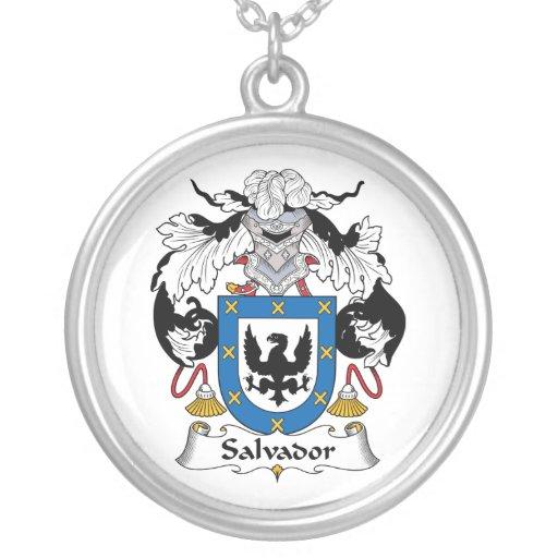 Escudo de la familia de Salvador Collar Personalizado