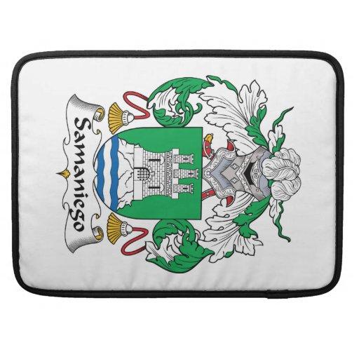 Escudo de la familia de Samaniego Fundas Para Macbook Pro