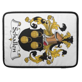 Escudo de la familia de Schallen Fundas Para Macbook Pro