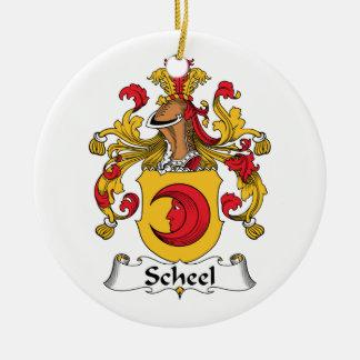 Escudo de la familia de Scheel Adorno Navideño Redondo De Cerámica