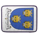 Escudo de la familia de Schonenwert Funda Para Macbooks