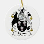 Escudo de la familia de Segrave Adornos