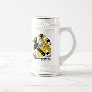 Escudo de la familia de Shakespeare Jarra De Cerveza
