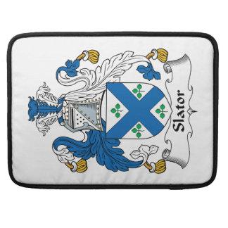 Escudo de la familia de Slator Funda Para Macbooks