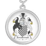 Escudo de la familia de Smallwood Collares Personalizados