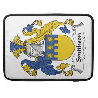 Escudo de la familia de Smithson Fundas Para Macbooks