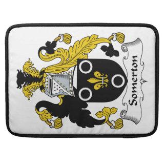 Escudo de la familia de Somerton Fundas Macbook Pro