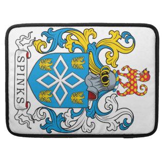 Escudo de la familia de Spinks Fundas Para Macbooks