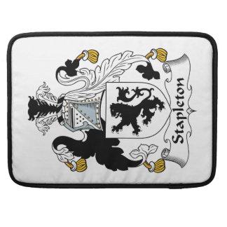 Escudo de la familia de Stapleton Fundas Macbook Pro