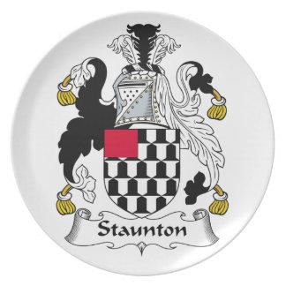 Escudo de la familia de Staunton Plato Para Fiesta