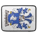Escudo de la familia de Steinberg Fundas Para Macbooks
