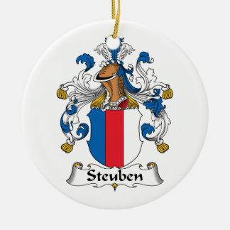Escudo de la familia de Steuben Adorno Navideño Redondo De Cerámica