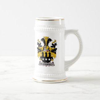 Escudo de la familia de Stjernfelt Jarra De Cerveza